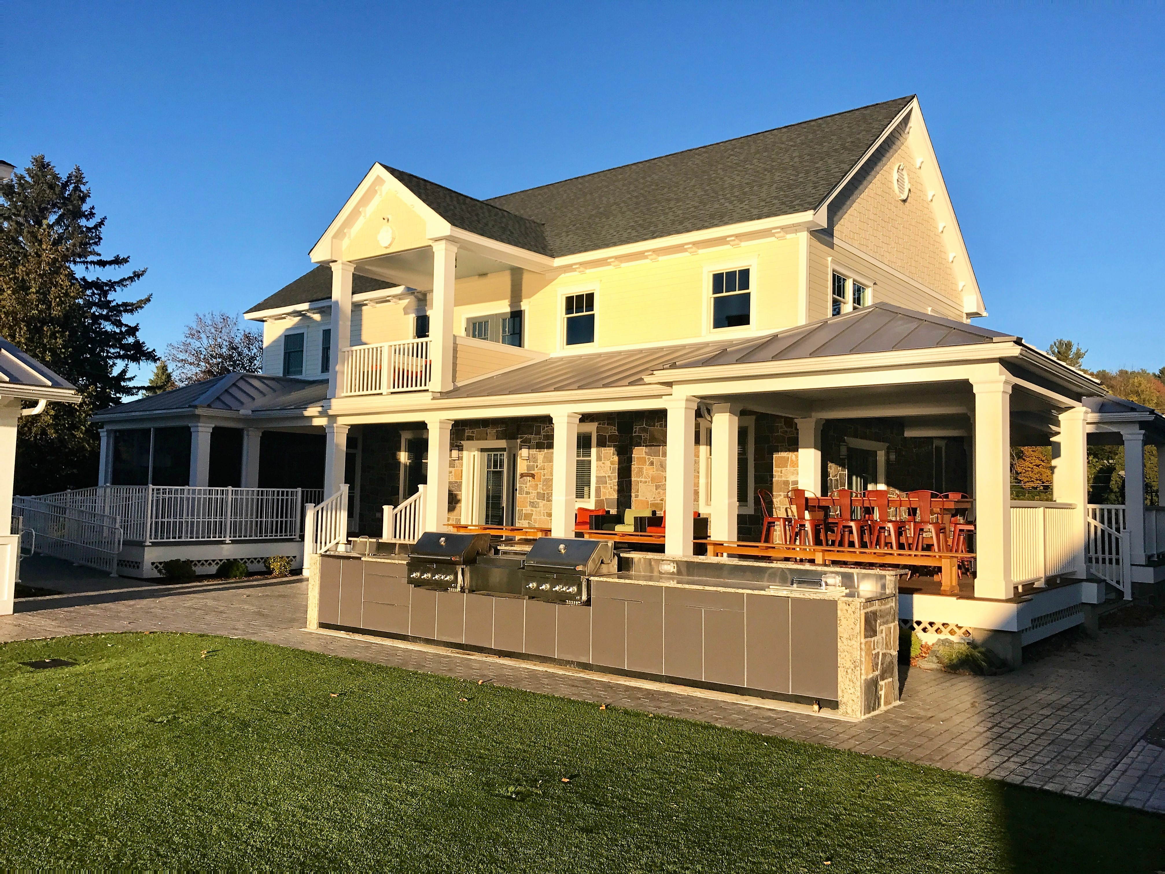 Guest cottages of the berkshires for Berkshire house